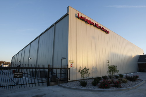 Lexington Mini-Storage has 775 climate controlled, self-storage units at our Hamburg location on Bryant Road.